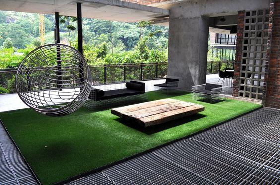 Artificial grass balcony's Patio & roofs terrace